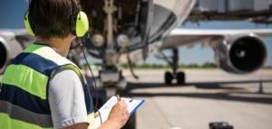 Ground mechanic, ramp handling, aircraft